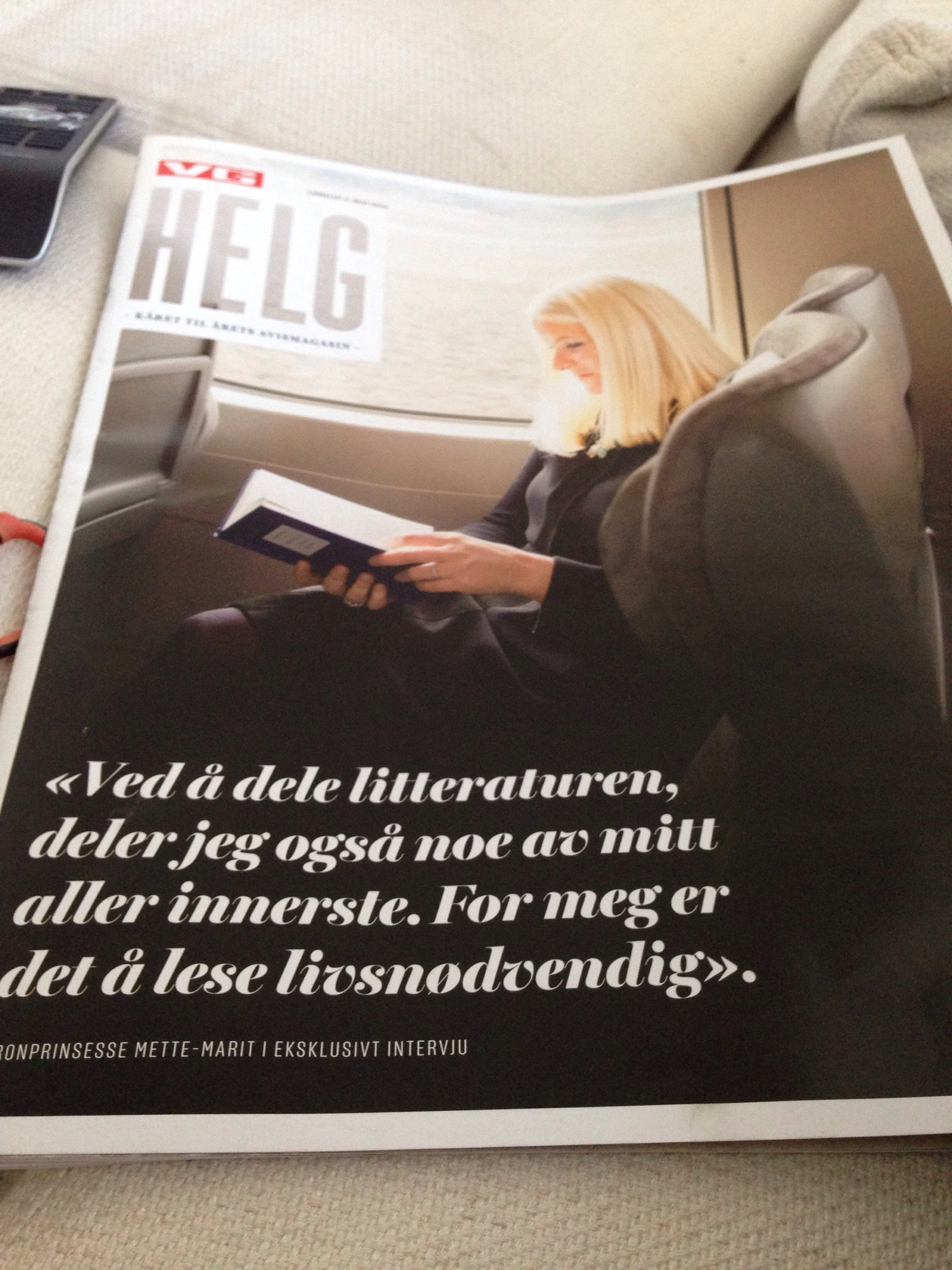 Mette-Marit cured of her fear of flying (and interview about reading habits.)